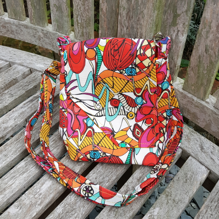 Dance purse by Amy Magnussen of Oso Made spoonflower fabric Spanish Dance Sharon Turner